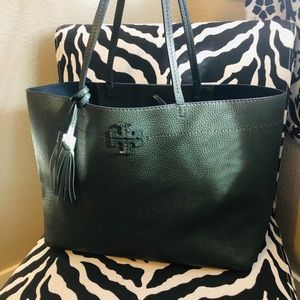Tory Burch McGraw large tote in boxwood GR/navy